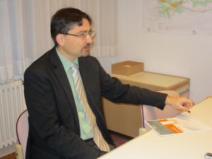 Der designierte Schelklinger Bürgermeister Ulrich Ruckh im Interview mit Redakteuren des Urspringblog.
